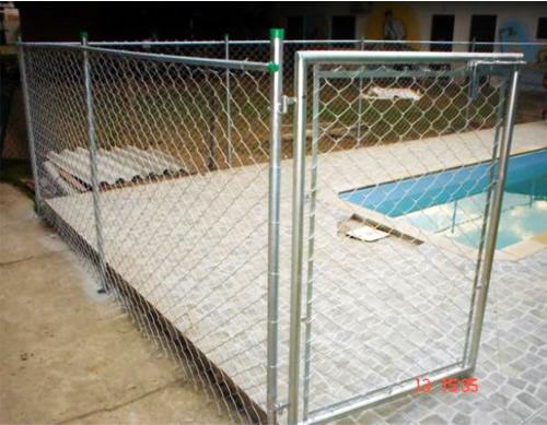Alambrado aplicado em área de piscina.