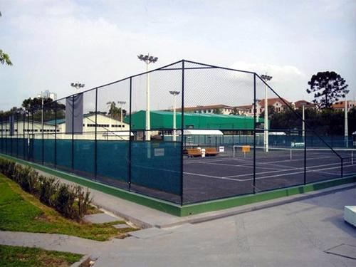 Alambrados em Salvador aplicado em quadra de tênis.