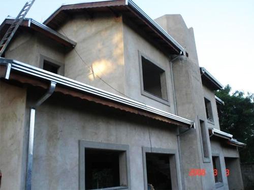 Calhas para telhado em casa de 1 andares