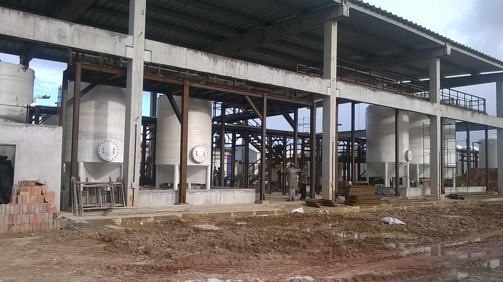 Estruturas metálicas de planta industrial